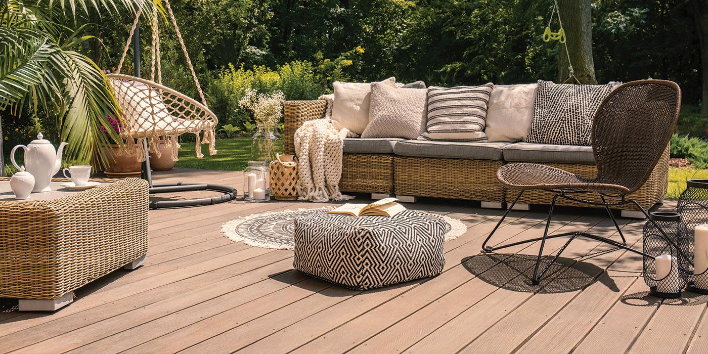 Terrasse En Bois Et Jardin quel matériau choisir pour sa terrasse ? bois, pierre